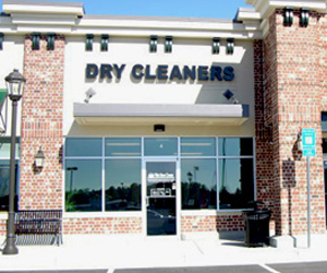 Location White House Cleaners | Meybohm Real Estate